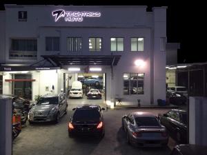 Mercedes Car Workshop